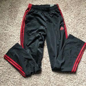 NWT Adidas Essentials Sweatpant